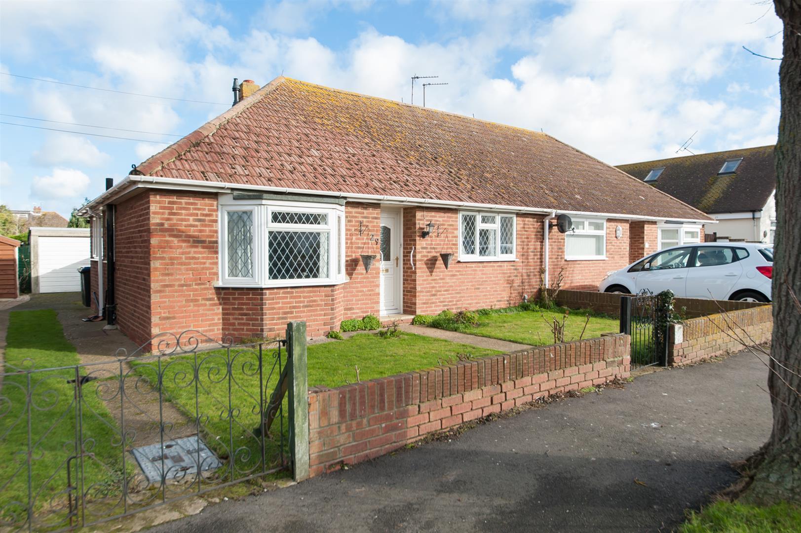 2 Bedrooms Semi Detached Bungalow for sale in Quex View Road, Birchington
